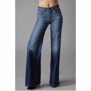 18th Amendment   NWT Colbert wide leg jeans   28